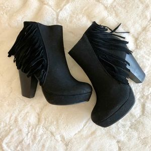 Cathy Jean Booties 🖤